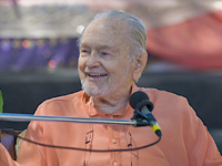 Swami Kriyananda speaking